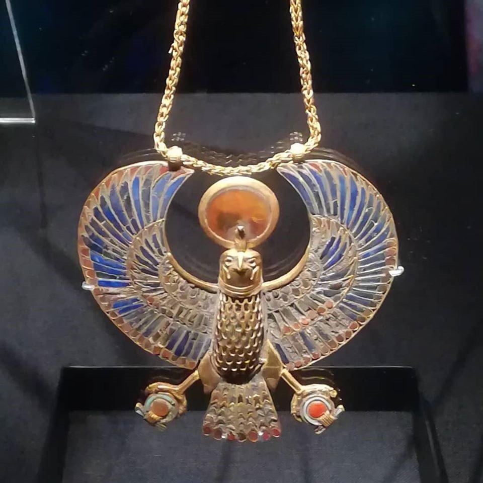 Tutankhamun - falcon pendant